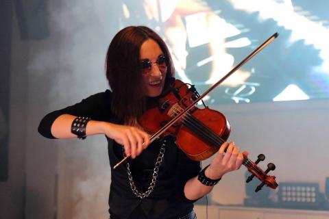 Czarująca-skrzypaczka-Marta-8