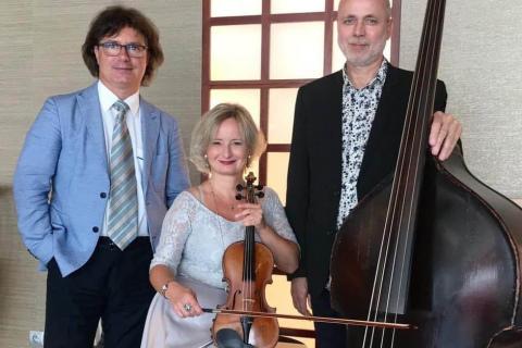 Golden-Swing-Trio-9