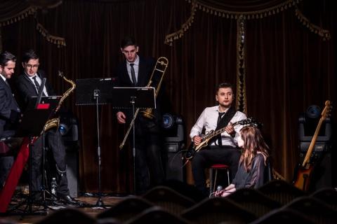 Live-Music-Band-9