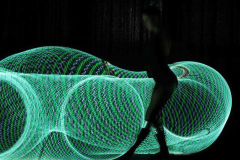 Pokazy-hula-hoop-Elementy-Berlin-23