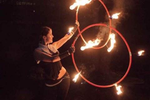 Pokazy-hula-hoop-Elementy-Berlin-8