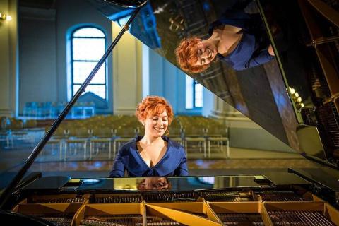 spiewajaca-pianistka-1