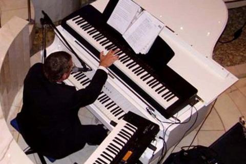 Śpiewający-Pianoman -z- Warszawy