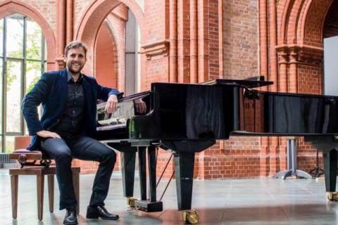 Wszechstronny-pianista-i-organista-4