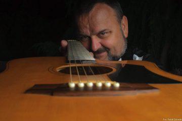 Marquez Gitarzysta fingerstyle (8)