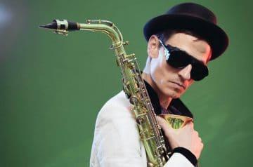 Niklas on Sax and DJ