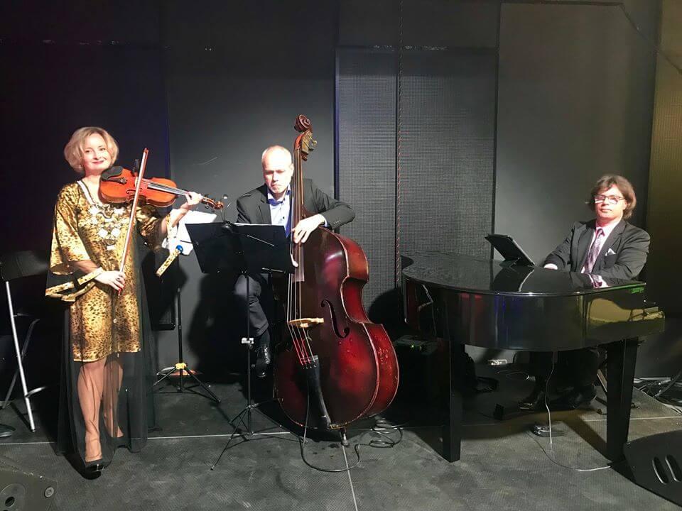 Golden Swing Trio